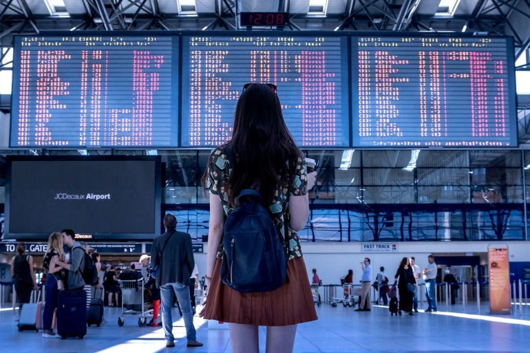 airport-2373727_1280